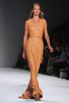elie-saab-runway-paris-fashion-20111005-101139-714.jpg 420×630 píxeles