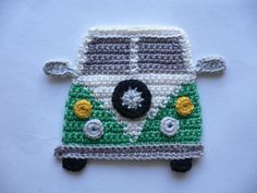 Bus crochet application made of cotton, washable up to for applying to childrens clothes, bags, gym bags and much more. Height about 10 cm Width about 12 cm Crochet Flamingo, Crochet Car, Crochet Elephant, Crochet Teddy, Cute Crochet, Crochet Motif, Baby Blanket Crochet, Crochet Flowers, Crochet Appliques