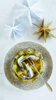 Valkosipulisilakat öljyssä | K-ruoka #joulu #kalapöytä