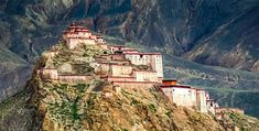 Gyantse Dzong Tibet 2015 by reurinkjan Everest Mountain, Big Mountain, Travel Tours, Travel Guide, Le Tibet, Mongolia, Nature Photos, The Locals, Monument Valley