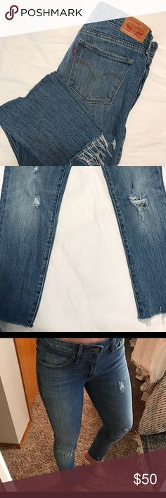 Levi's skinny jeans Distressed Levi's size 28 fits more like a 27 Levi's Jeans Skinny