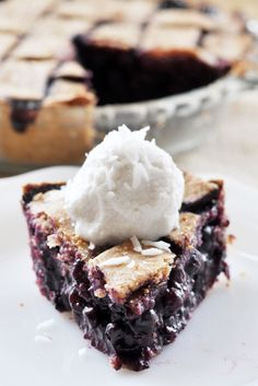 Vegan Blueberry Pie with Spelt Crust - The Colorful Kitchen