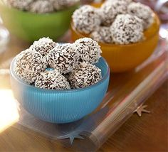 Festive fun for the kids, these snowy truffles are great to give as gifts and fun to make in school holidays