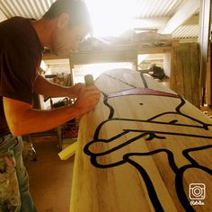 @WawaWoodenSurfboards The Richard Scott and Wawa Surfboard collaboration was born out of a drive to produce a limited range of collectible, yet functional art pieces. Art designed to get wet. Working with nature and use what is locally available, recycled and bio degradable, the Richard Scott Surfboard Art collection offers a sustainable promise, made with SupeSap. #Handcraft #LocalCraft #Agave #WoodenSurfboards #SuerSap #WawaSurfboards #RichardScottArt #entropyresins_eu