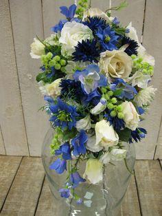 Bruidsboeket zijdebloemen 'Anja' - kleur wit/blauw