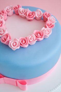 Pretty pink & blue pastel cake