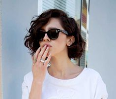 Image from http://www.short-haircut.com/wp-content/uploads/2014/12/Short-Haircuts-For-Thick-Wavy-Hair.jpg.