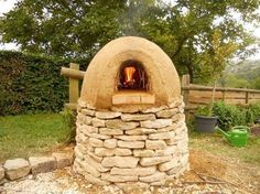 Westley Farm Cottages, Chalford Picture: Make your own pizzas, bread or kleftiko in our earth oven - Check out TripAdvisor members' 163 candid photos and videos.