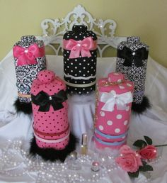 Headband Holder Hairbow Hair Bow Organizer Storage-I've seen others to make yourself using an oatmeal container Bow Jewelry, Jewelry Stand, Diy Headband Holder, Headband Display, How To Make Headbands, Earring Display, Jewelry Organization, Organizing Hair Accessories, Craft Fairs