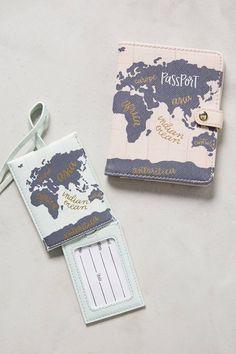 Slide View: 3: Voyageant Passport Holder