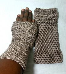 Claire's Outlander Wristers - free crochet pattern by Acquanetta Ferguson. http://www.examiner.com/article/free-pattern-claire-s-crochet-version-wristers