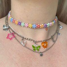 everything chain❇️ 8 random charms on every. Cute Jewelry, Diy Jewelry, Beaded Jewelry, Jewelry Accessories, Beaded Necklace, Jewlery, Bold Jewelry, Jewelry Logo, Jewelry Quotes