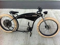 Wouldn't it be great to ride one around the ideal beach, like the Vineyard, from shadow to village to beach and solitude. Velo Design, Bicycle Design, Cruiser Bicycle, Motorized Bicycle, Velo Vintage, Vintage Bikes, Cool Bicycles, Cool Bikes, Velo Cargo