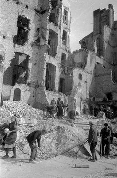 Berlin | 1933-45+. Nach der Schlacht von Berlin, 1945