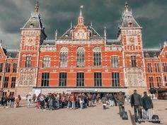 A 2 day Amsterdam itinerary with sightseeing and travel tips, and a quick day trip to the countryside. Find out how we spend 2 days in Amsterdam itinerary. 2 Days In Amsterdam, Amsterdam Map, Amsterdam Itinerary, Visit Amsterdam, Walking Routes, Small Group Tours, Old Churches, Short Trip, Best Cities