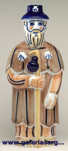 Pieza interpretada por Xosé Vizoso a partir de los dibujos de Luis Seoane sobre el peregrino Gaiferos. Fábrica de cerámica de Sargadelos- CERVO-Lugo- Galicia-SPAIN
