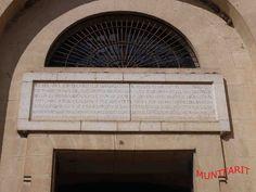 Cartela conmemorativa de la cosntrucción de la Iglesia de La Encarnación