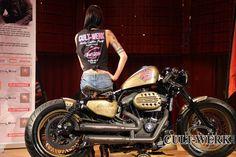 Niesamowity Harley Davidson XL 1200 Sportster z Cult Werk oraz tłumikiem REMUS INNOVATION.  Idealny na weekendowy cruising? :)  Remus Polska http://www.remus-polska.pl/