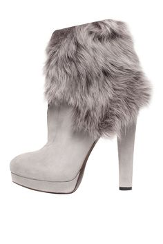 Boots with the Fur, Donna Karan fur boots, furry, grey, booties Bootie Boots, Heeled Boots, Ankle Boots, Grey Booties, Cute Shoes, Me Too Shoes, Over Boots, Sexy Boots, Donna Karan