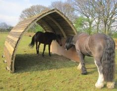 Horse Arc a fantastic new idea for a mobile field shelter! No planning permission, don& need a 4 x 4 to move it around, wind proof and great for groups of horses! Dream Stables, Dream Barn, Horse Stables, Horse Barns, Horse Shelter, Animal Shelter, Field Shelters, Horse Property, Horse Love