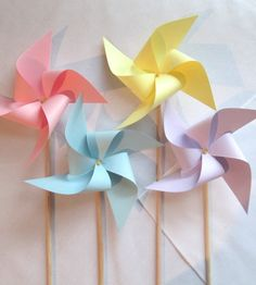 Pretty Pastel Pinwheels Set of 16 Pinwheels Custom Made to Order in Any Solid Colors perfect for wedding favors or wedding table markers birthday party baby or bridal shower paper pinwheels spinning pinwheels twirliing pinwheels custom made pinwheels Rose Pastel, Pretty Pastel, Pastel Palette, Pastel Colors, Party Table Decorations, Party Themes, Wedding Table Markers, Pastell Party, Deco Pastel