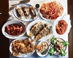 How to Cook the Feast of the Seven Fishes for Christmas Eve Dinner Fish Recipes For Christmas, Christmas Eve Appetizers, Christmas Eve Dinner, Holiday Recipes, Christmas Dinners, Christmas Foods, Christmas Decorations, Seven Fishes, 7 Fishes