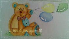 Fraldinha ursinho com balões, barrado pétalas em crochê