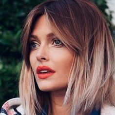 medium length hairstyles 2019 include wavy, flat, curly hairstyle and balayage hair 2019 TRENDING BOB HAIRCUTS FOR CHARMING LOOK Here you will find the best bob haircuts for women, a bob style for short hair and for long hair that will be Bob Haircut Curly, Wavy Bob Hairstyles, Lob Haircut, Trending Hairstyles, Long Bob Haircut With Bangs, Medium Hair Styles, Curly Hair Styles, Asymmetrical Bob Haircuts, Bob Haircuts For Women