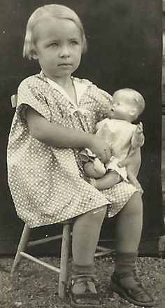 Antique Vintage Photo 1930s Pretty Young Smiling Blonde Little Girl Her Doll