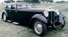 Classic and collector cars at Autodrome Paris Cannes, Automotive Specialist Lamborghini, Lancia, Maserati, Aston Martin, Pagani, 古董 车
