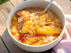 Sweet Tooth Pick of the Day Easy Peach Cobbler - Crazy-Good Fruit Cobbler Recipes - Southern Living Fresh Peach Cobbler, Fruit Cobbler, Blackberry Cobbler, Cherry Cobbler, Southern Living Peach Cobbler Recipe, Home Made Peach Cobbler, Canned Peach Cobbler Recipe, Dutch Oven Peach Cobbler, Brunch