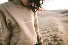 Sudadera con apliques metálicos en los hombros ¡Prenda Destacada de la Semana! - Moda diez