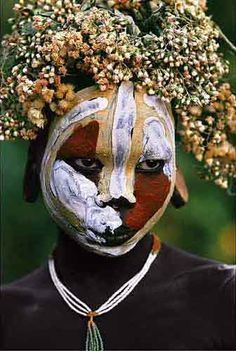 Natural Fashion : Tribal Decoration from Africa . Seriese by Hans Silvester African Tribes, African Art, We Are The World, People Around The World, Tribal Face, Arte Tribal, Tribal People, Jolie Photo, African Culture