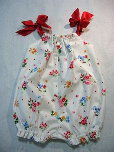 Pretty Baby Romper for Baby Girls. Easy to by FelicityPatterns