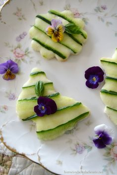 Cucumber and Cream Cheese Tea Sandwiches | homeiswheretheboatis.net #tea