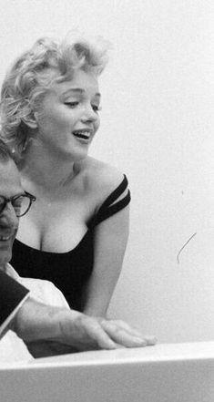 Sublime Marilyn - Photos de la sublime, divine et légendaire Marilyn Monroe. Hollywood Actresses, Old Hollywood, Actors & Actresses, Hollywood Celebrities, Art Marilyn Monroe, Cinema Tv, Actrices Hollywood, Norma Jeane, Jolie Photo