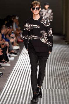 Neil Barrett Spring 2015 Menswear - Collection - Gallery - Look 3 - Style.com