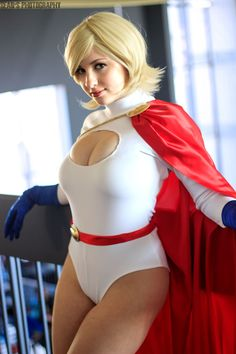 Character: Power Girl (Kara Zor-L, aka Karen Starr) / From: DC Comics 'Power Girl' & 'Justice Society of America' / Cosplayer: Emma Catherine (aka PrettyWreck Cosplay) / Photo: Sean's Photography (2015)