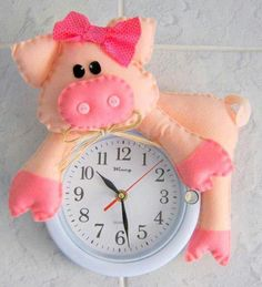 Relógio porquinho