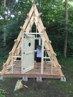 A Frame House Plans, A Frame Cabin, Tiny House Cabin, Tiny House Design, Tenda Camping, Floor Framing, Forest House, Play Houses, Glamping