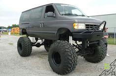 I'd definitely drive that van :) Custom Lifted Trucks, 4x4 Trucks, Diesel Trucks, Ford Trucks, Lifted Van, Lifted Ford, Ford 4x4, 4x4 Van, Ambulance