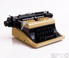 Typewriter made of Lego. (via Brickshelf Gallery. Shoutout to Present & Correct for the tip) Amazing Lego Creations, Lego Construction, Vintage Lego, Lego Worlds, Lego Design, Lego Group, Lego Models, Lego Projects, Lego Moc