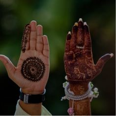 Mehndi Design Offline is an app which will give you more than 300 mehndi designs. - Mehndi Designs and Styles - Henna Designs Hand Mehndi Ceremony, Haldi Ceremony, How To Dress For A Wedding, Wedding Planning Websites, Wedding Function, Wedding Stage, Wedding Photoshoot, Best Wedding Photographers, Mehndi Designs