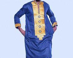 African brodé Mens porter pour toutes les tailles. Fabriqué sur commande.  Toutes nos tenues sont adaptées à partir de zéro en créant la flexibilité