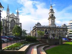 Dunedin is renowned for its beautiful architecture and vast history. It's a small town that pack in a huge amount of history as you'll see upon arrival. ♦ The Dunedin Museum is one of the best plac…
