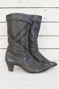 grey eighties boots. Grijze laarzen uit de jaren 80 met hakje...www.sugarsugar.nl
