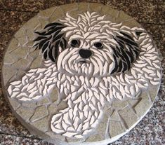 Trendy Painting Rocks Ideas Dragonfly IdeasYou can find Mosaic garden and more on our website. Mosaic Stepping Stones, Pebble Mosaic, Stone Mosaic, Pebble Art, Mosaic Art, Mosaic Glass, Mosaic Tiles, Mosaics, Stained Glass