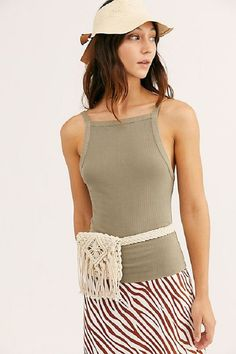 Up Tank -Set Up Tank - Macrame belt bag waist bag for women cotton hip bag Macrame Purse, Free People, Macrame Design, Bead Crochet, Crochet Belt, Crochet Purses, Macrame Patterns, Transformation Body, Creations