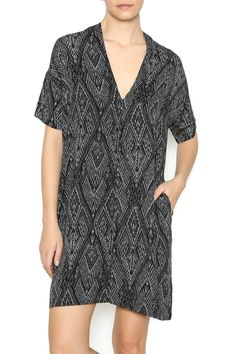 V-neck printed dress with short sleeves and side seam pockets.   Dealing Diamonds Shift Dress by NU New York. Clothing - Dresses - Printed Clothing - Dresses - Casual Clothing - Dresses - Short Sleeve Manhattan, New York City
