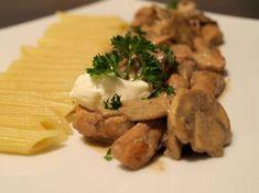 Poulet à la crème et aux champignons